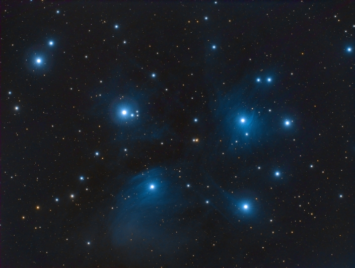 Messier 45 - Pleiades - distance : 400 light years